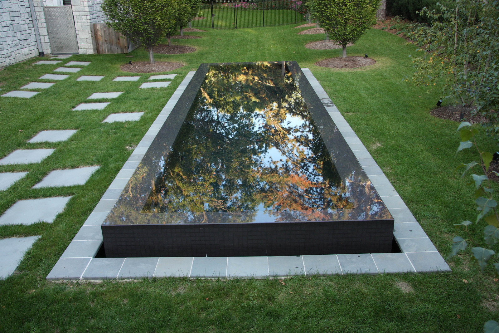 Reflection pools canadianwaterwalls inc - Reflecting pool ...